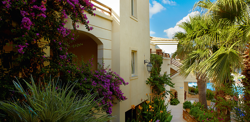 03-Crete-Bungalows-with-Garden-Views-in-Rethymno-club-marine-palace