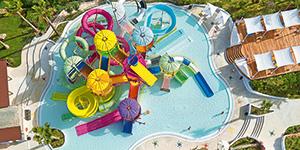 Hotel-with-Amazing-Aqua-Park