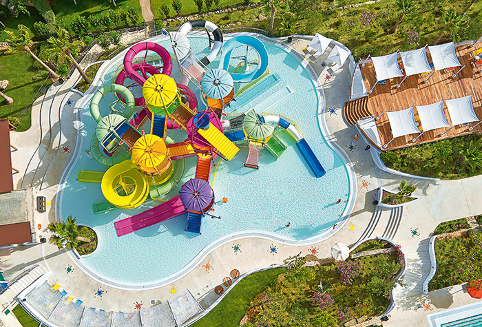 Family-Hotel-with-Water-Slides-in-Crete-Island-02