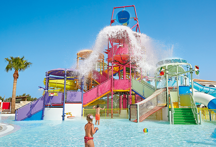 05-Family-Hotel-with-Water-Slides-Crete