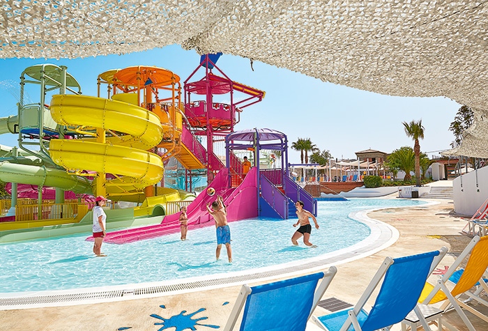 Family-Hotel-with-Water-Slides