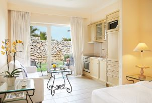 12-family-accomodation-club-marine-palace