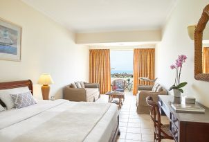 29-Family-Room-Open-Plan-Marine-Palace-Accommodation