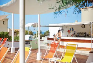 club-marine-palace-aqua-park-bar