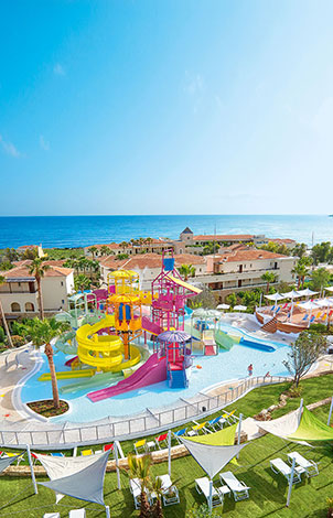 kids-friendly-aqua-park-in-club-marine-palace-crete-rethymno